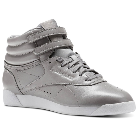 a6650e2500b 🔥freestyle classic Reebok women s high top shoes.  M 5c46b1386a0bb74775868f2a